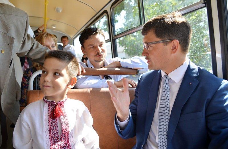 На двух новых автобусах для Сартаны проезд должен быть не боле двух гривен, – Вадим Бойченко (фото) - фото 1
