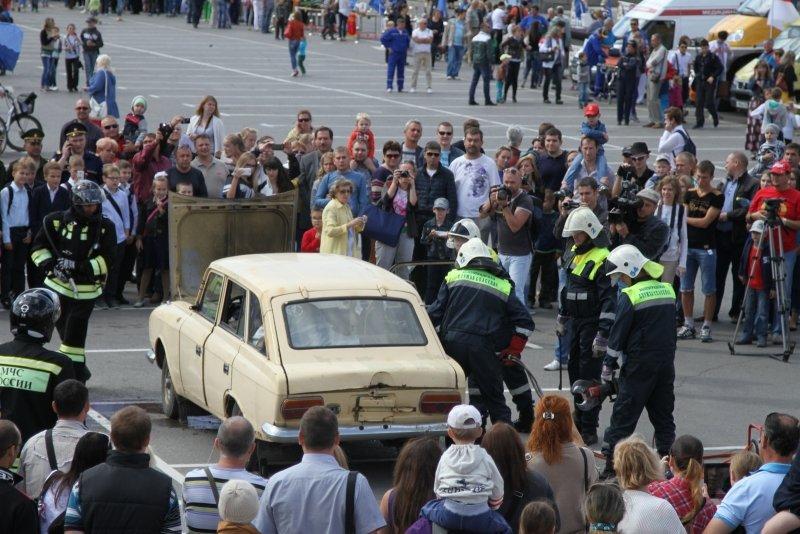 В День города в Волгограде прошла выставка спасательной техники, фото-3