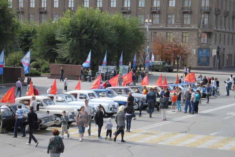 В День города в Волгограде прошла выставка спасательной техники, фото-2