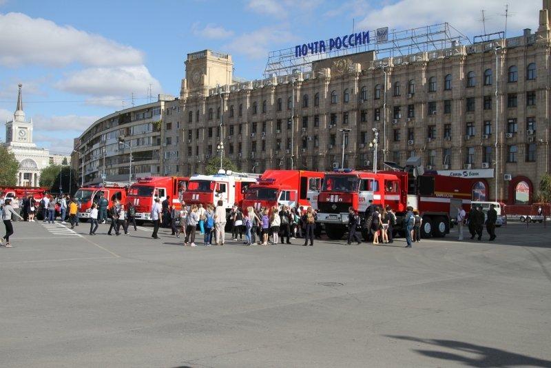 В День города в Волгограде прошла выставка спасательной техники, фото-5