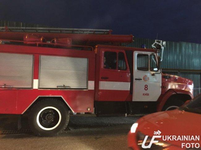 В Киеве эвакуировали посетителей ТРЦ Ocean Plaza (ФОТО, ВИДЕО) (фото) - фото 2