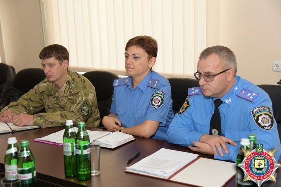 Делегация ООН увидела, как организована работа милиции Донецкой области в условиях беспощадной АТО (фото) - фото 1