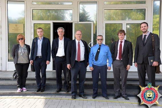 Делегация ООН увидела, как организована работа милиции Донецкой области в условиях беспощадной АТО (фото) - фото 4
