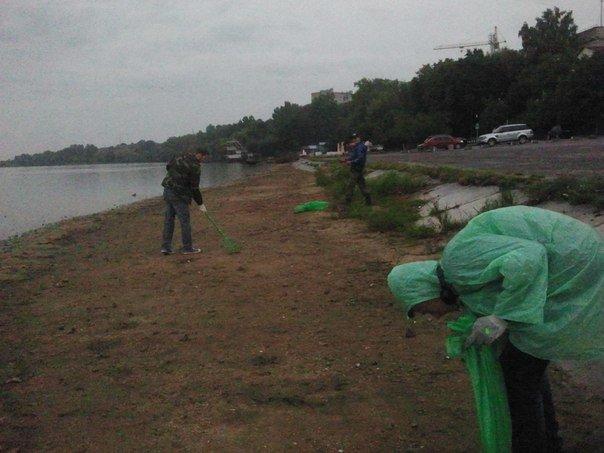 """Як волонтери у Тернополі прибирали """"Циганку""""? (фото) (фото) - фото 1"""