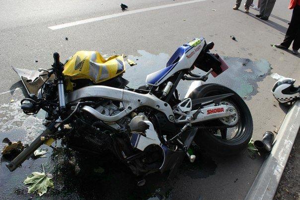 Страшна аварія на Полтавщині: двоє осіб загинуло. Відео (фото) - фото 1