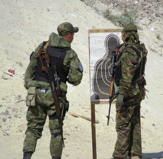Правоохранители Красноармейска неустанно оттачивают навыки огневой подготовки (фото) - фото 2