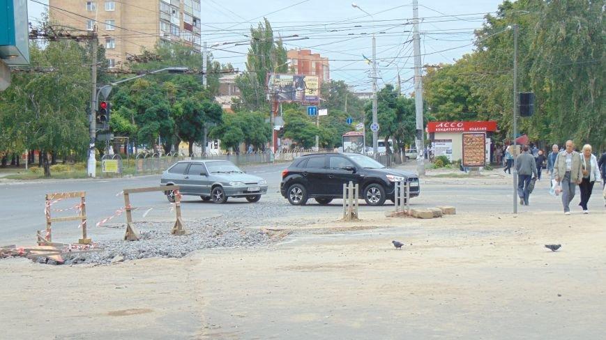 В Мариуполе восстановлено движение на проспекте Ленина (ФОТОФАКТ) (фото) - фото 2