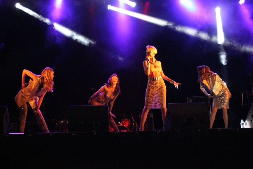 День города в Атемовске закончился удивительным шоу и большим   концертом, фото-5