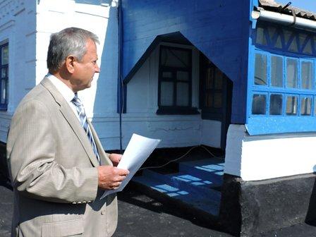 В Мариуполе городской голова вручил ключи от нового дома жителям, пострадавшим от обстрела в Сартане (ФОТО) (фото) - фото 1