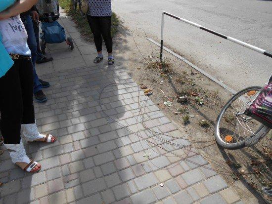 На Рівненщині металевий дріт ледь не задушив жінку (фото) - фото 1