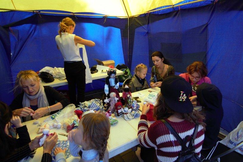 Днепропетровцы уже выехали в годовое турне по миру (ФОТО) (фото) - фото 1