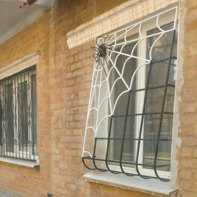Кривой Рог за решеткой: Какие истории скрывают криворожане за прутьями оконных решеток (ФОТО) (фото) - фото 1