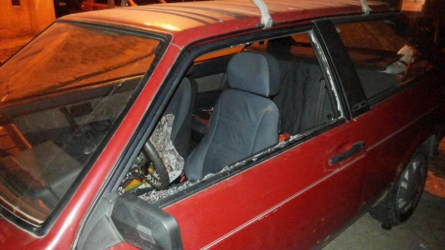 За добу у Львові розбили вікна у п'яти автівках (ФОТО) (фото) - фото 3