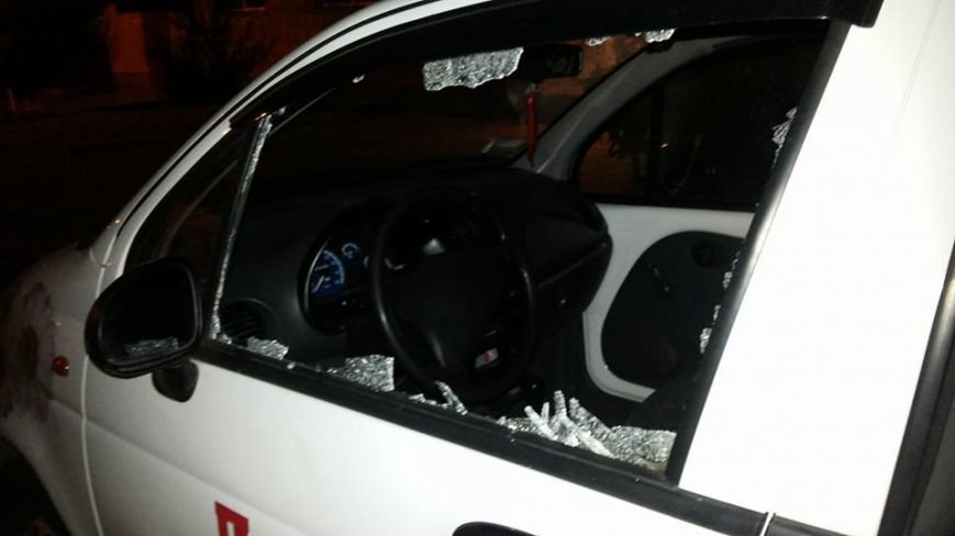 За добу у Львові розбили вікна у п'яти автівках (ФОТО) (фото) - фото 4
