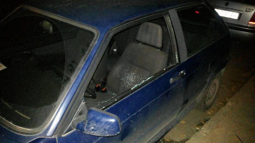 За добу у Львові розбили вікна у п'яти автівках (ФОТО) (фото) - фото 2