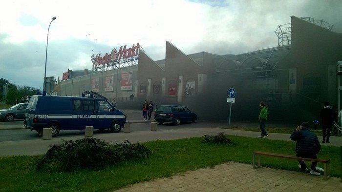 Из-за пожара в торговом центре в Белостоке эвакуировали 5 тыс покупателей (фото) - фото 3