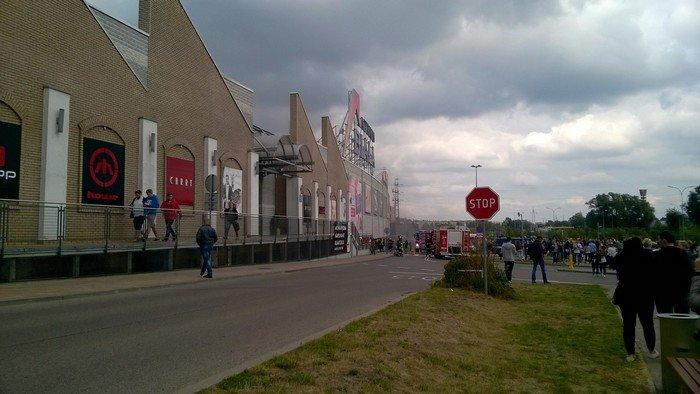 Из-за пожара в торговом центре в Белостоке эвакуировали 5 тыс покупателей (фото) - фото 9
