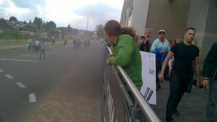 Из-за пожара в торговом центре в Белостоке эвакуировали 5 тыс покупателей (фото) - фото 7