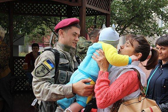 Черниговские милиционеры уехали на Донбасс (фото) - фото 1