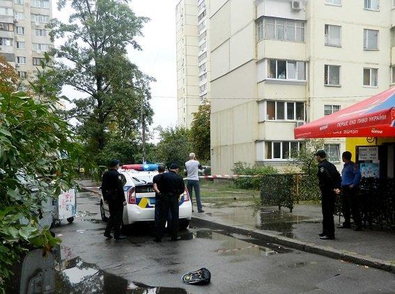 На Оболони иностранец порезал ножом мужчину (ФОТО) (фото) - фото 2