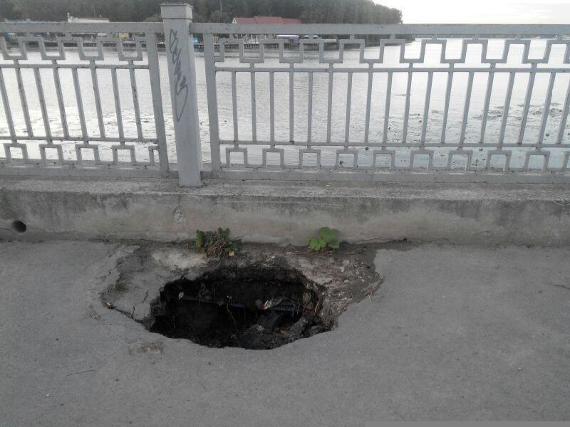 Тернополяни скаржаться на провалля на вулицях та відкриті люки (фото) - фото 2