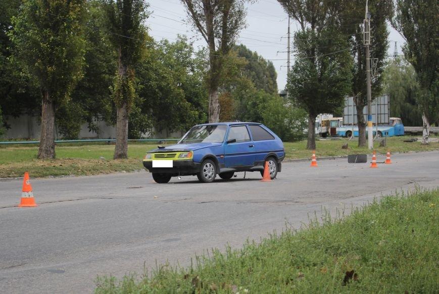 В Днепродзержинске в ДТП у отеля «Родина» погибла молодая девушка (фото) - фото 1