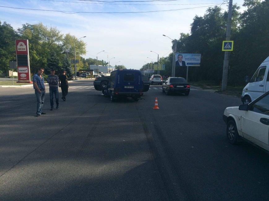 ДТП в Днепропетровске: столкнулись ВАЗ и ИЖ (ФОТО) (фото) - фото 6
