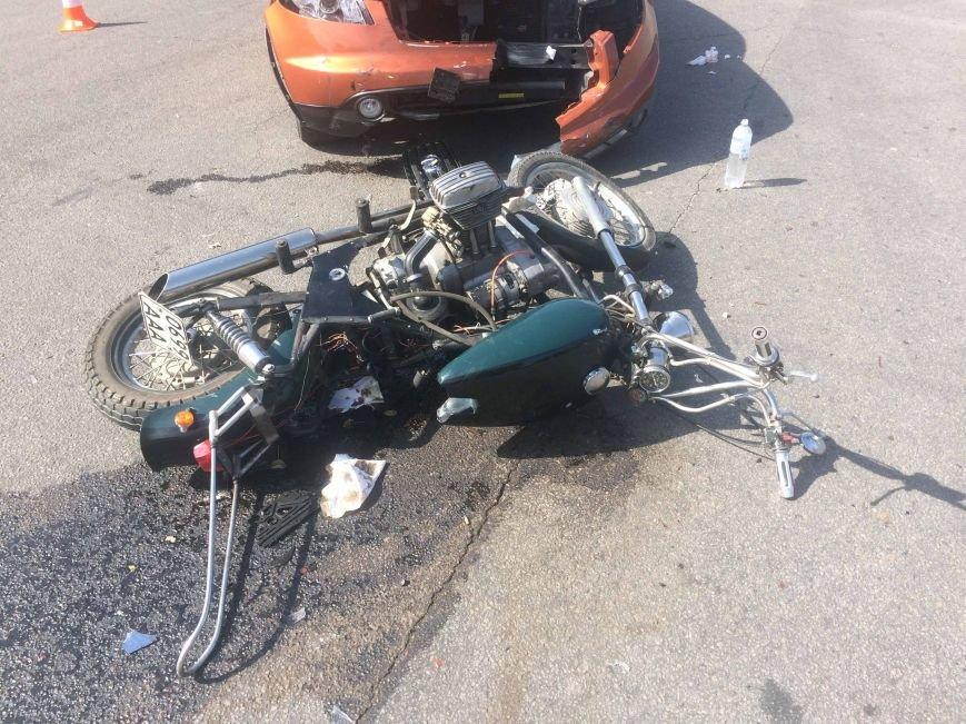 ДТП в Днепропетровске: столкнулись Инфинити и мотоцикл (ФОТО) (фото) - фото 2