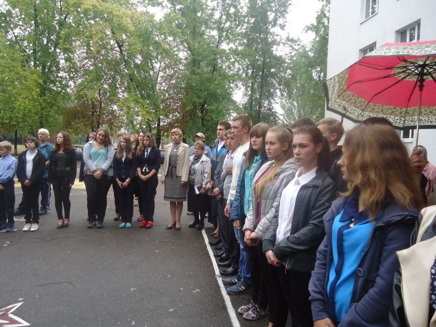 Герои не умирают: в Димитрове увековечили память воина АТО мемориальной доской (фото) - фото 2