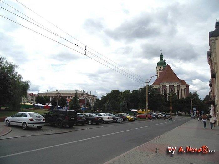Белорусский архитектор показал, как выглядела бы в центре Гродно Фара Витовта (фото) - фото 5
