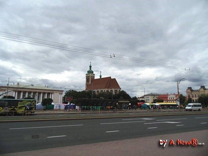 Белорусский архитектор показал, как выглядела бы в центре Гродно Фара Витовта (фото) - фото 2