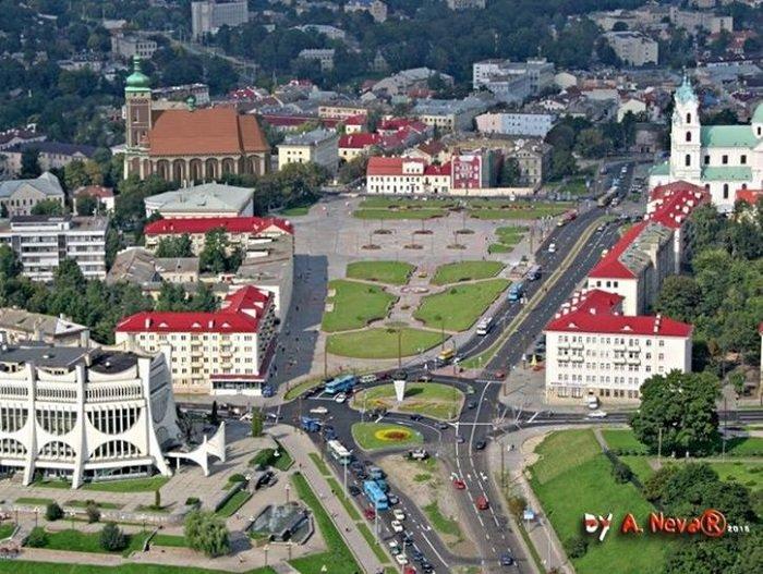 Белорусский архитектор показал, как выглядела бы в центре Гродно Фара Витовта (фото) - фото 4