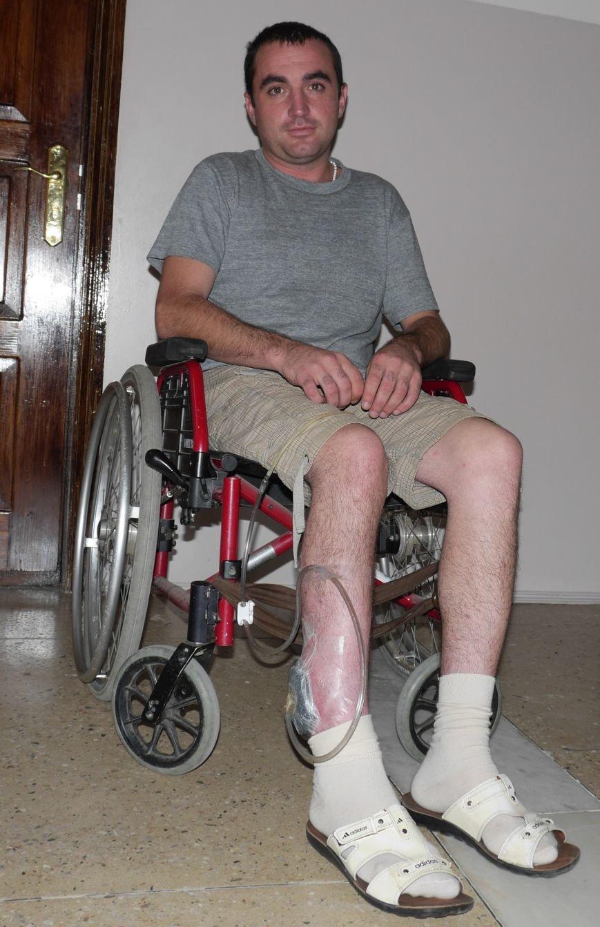 Важко пораненому тернопільському бійцю потрібна допомога (фото) - фото 1