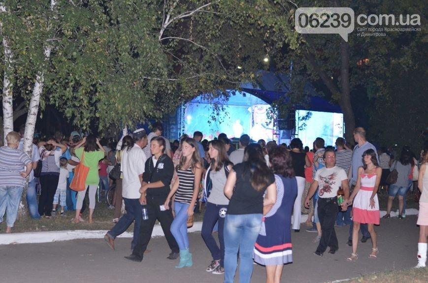 Дорогие праздники в Димитрове: 440 тысяч на ветер (фото) - фото 8