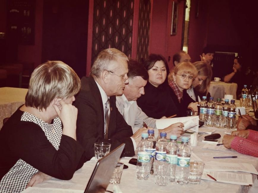 Місцеві бізнес-експерти навчались лобіюванню та адвокасі і обговорили регіональну програму підтримки та розвитку підприємництва (фото) - фото 2