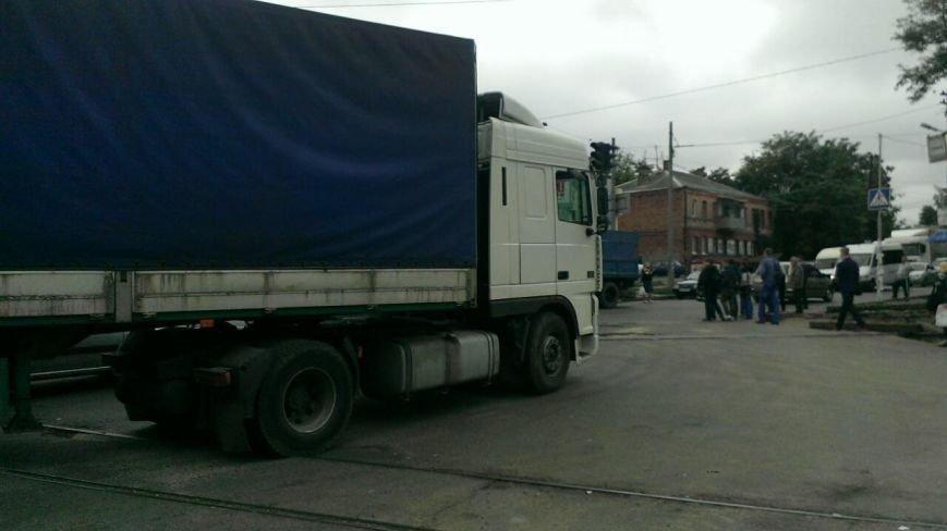 ДТП в Днепропетровске: «ДАФ» насмерть сбил женщину (ФОТО) (фото) - фото 2