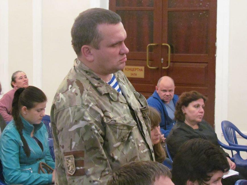 Мариуполь передал полку «Азов» семь городских зданий по просьбе Билецкого (ФОТО), фото-1