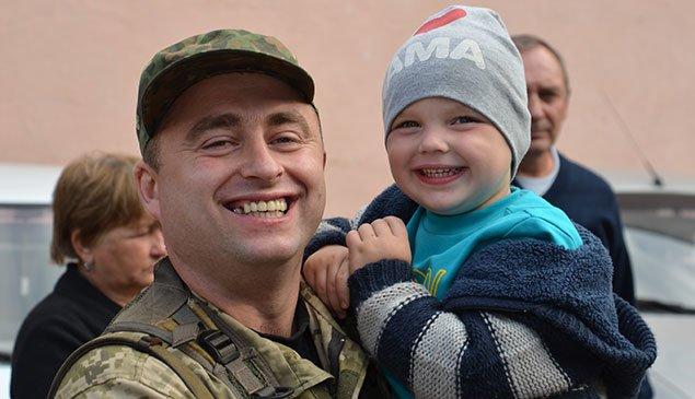 Півсотні добровольців поїхали з Тернополя в зону АТО (фото) (фото) - фото 1