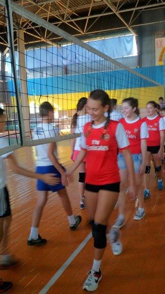 В Родинском прошел городской турнир по волейболу среди молодежи (фото) - фото 1