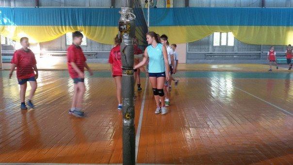 В Родинском прошел городской турнир по волейболу среди молодежи (фото) - фото 2