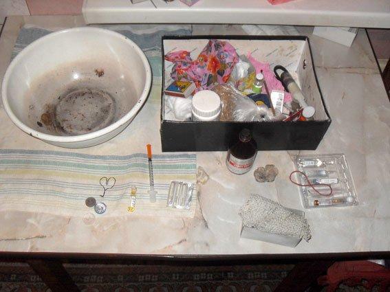 На Полтавщині подружжя займалося виготовленням психотропного наркотику (фото) - фото 1