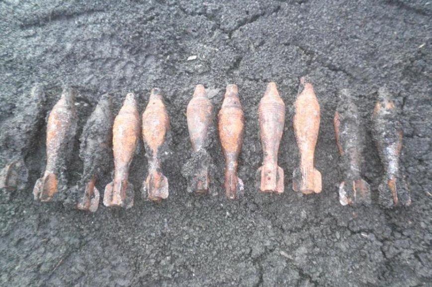 Высохшее в Черниговской области озеро «выдало» 26 снарядов (фото) - фото 1