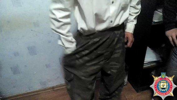 В районе Мариуполя задержан мужчина с подствольными гранатами  (ФОТО) (фото) - фото 1