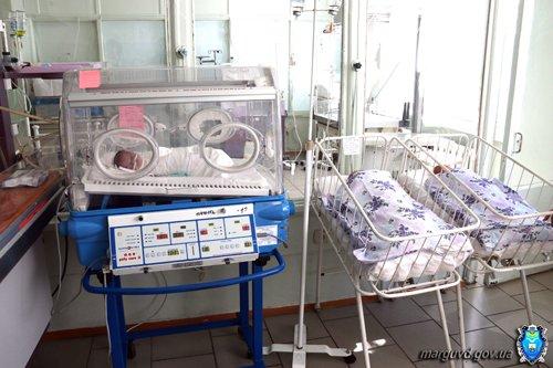 Мариупольские милиционеры обеспечили памперсами брошенных детей (ФОТО), фото-1