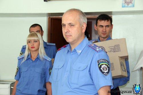 Мариупольские милиционеры обеспечили памперсами брошенных детей (ФОТО), фото-5