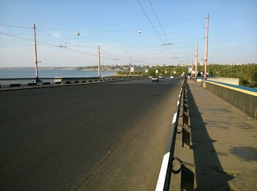 В Николаеве мосты так закатали в афсальт, что военные корабли не смогли зайти в акваторию завода (фото) - фото 5