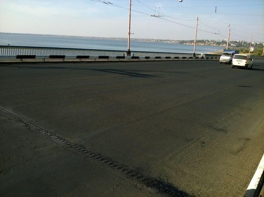 В Николаеве мосты так закатали в афсальт, что военные корабли не смогли зайти в акваторию завода (фото) - фото 3