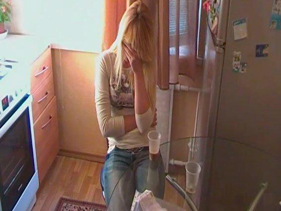 18-летняя сутенерша в Чернигове торговала девочками-подростками (фото) - фото 1
