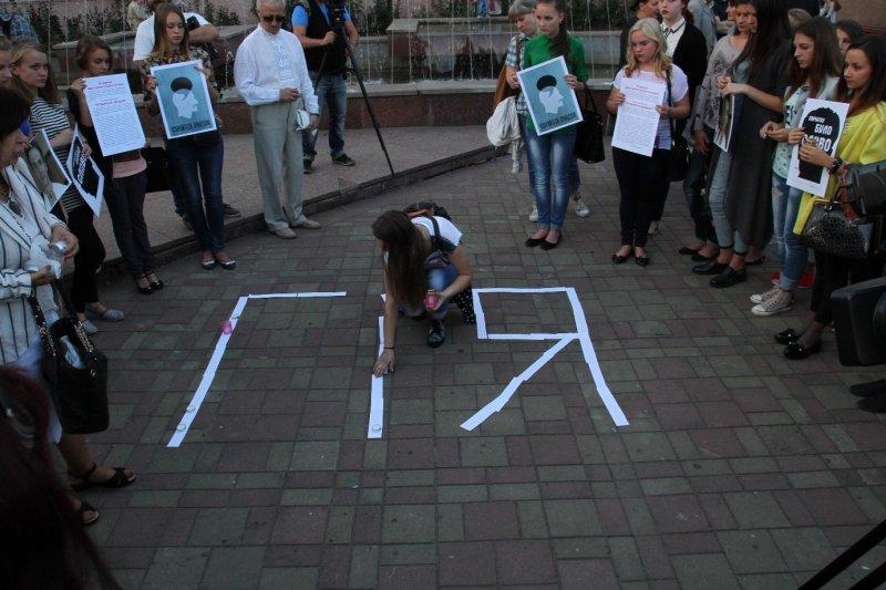 Буковинські журналісти запалювали свічки в пам'ять Георгія Гонгадзе, фото-1