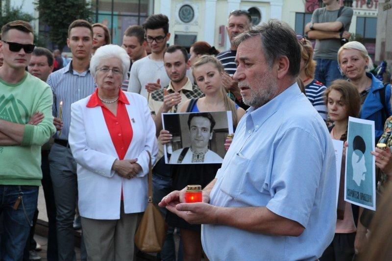 Буковинські журналісти запалювали свічки в пам'ять Георгія Гонгадзе, фото-2